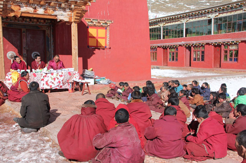 Kilung Children's School Rinpoche teaching outside_2752
